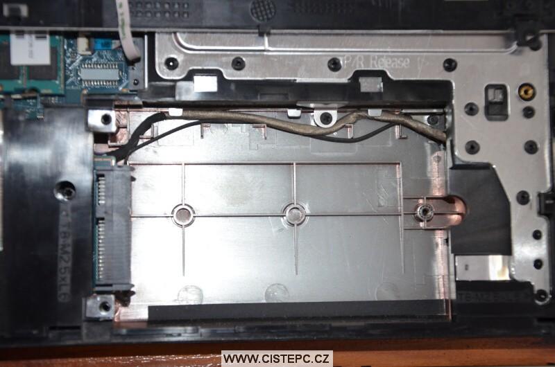 Jak vyčistit notebook HP 4520s 7