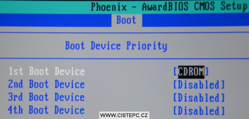 Nastavení bootování v biosu 2