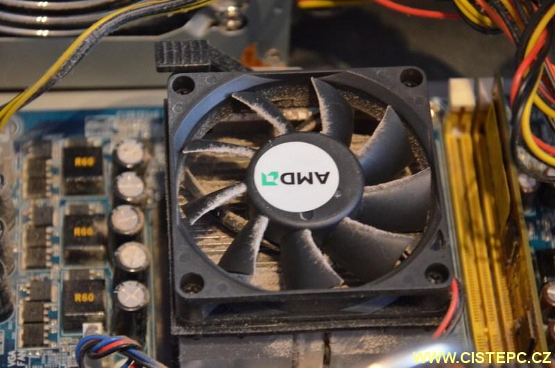 čištění počítače od prachu 04