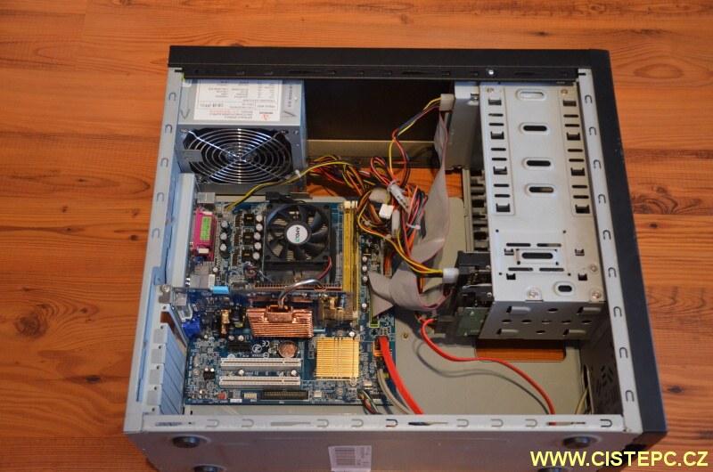 čištění počítače od prachu 09