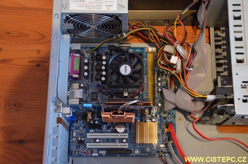 čištění počítače od prachu 10