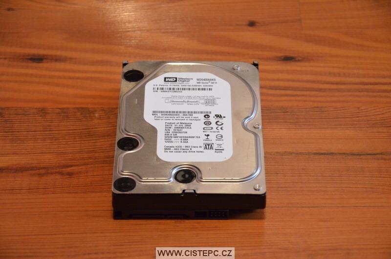 pevný disk 640gb