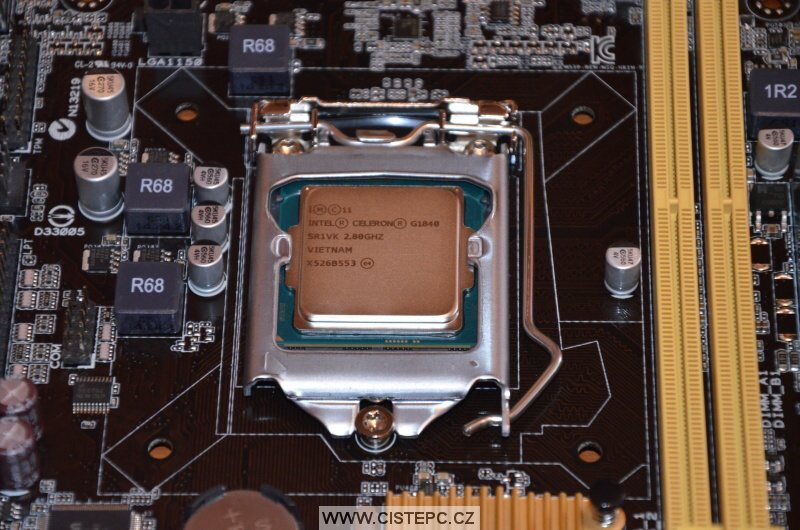 procesor intel celeron g1840 namontován