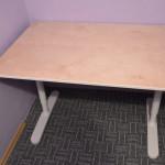 Počítačový a kancelářský psací stůl Bekant z Ikea