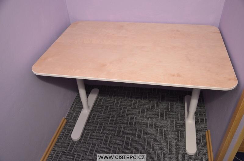 bekant psací počítačový stůl 08