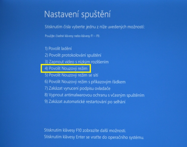 nouzový režim windows10 08