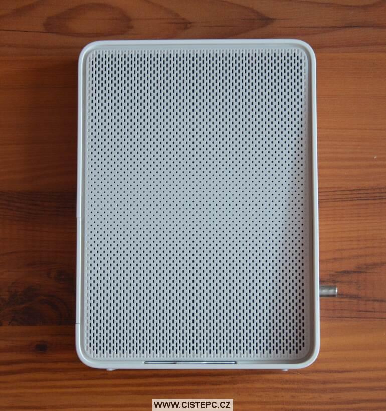 Compal ch7465lg wifi modem upc obsah balení 3