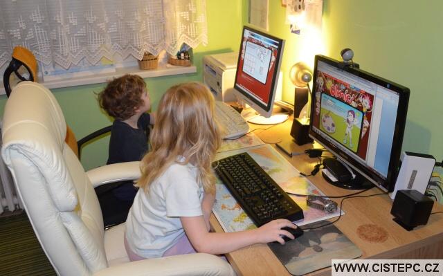 Počítače vedle sebe