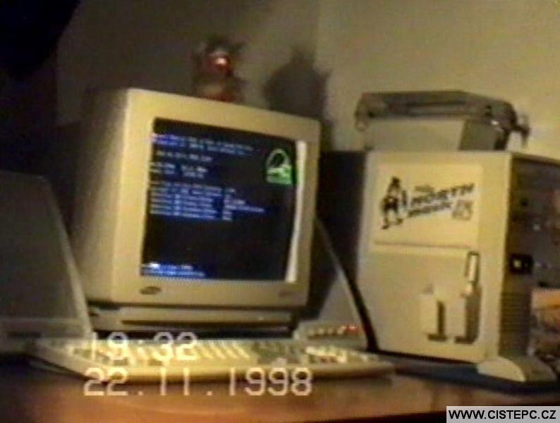 Starý počítač 1