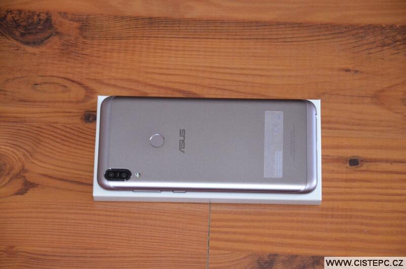 Asus Zenfone Max Pro M1 - zadní strana