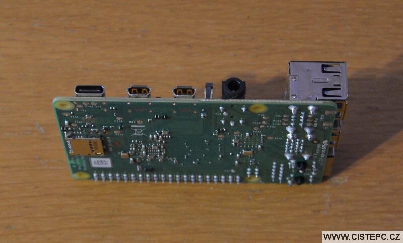 Raspberry Pi 4 Model B 4GB 06