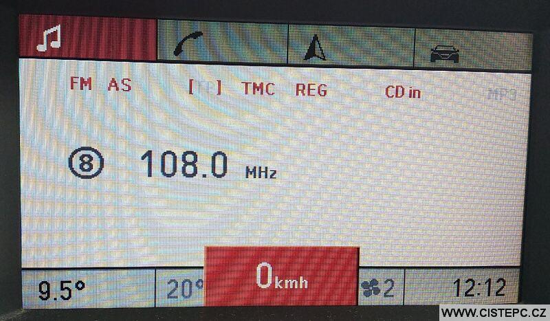 FM transmitter naladění frekvence na autoradiu