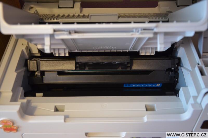 Jak vyměnit toner v tiskárně 9