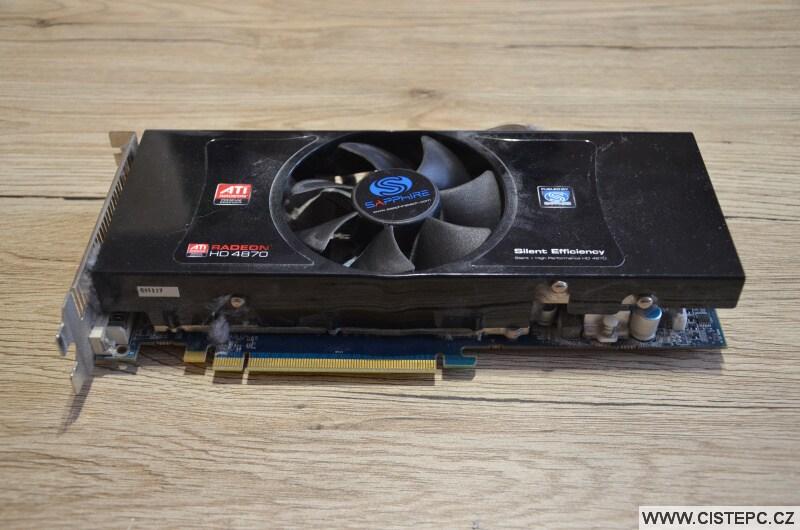 Grafická karta Ati Radeon HD 4870 před čištěním